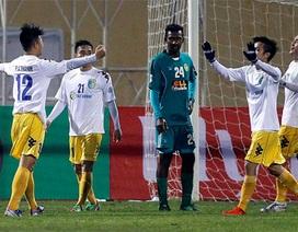 Văn Quyết lập hattrick, Hà Nội T&T thắng đậm trên sân nhà