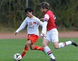 """Chùm ảnh: U19 Việt Nam """"bắn phá"""" U19 Arsenal"""