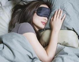 Viêm võng mạc vì ngủ mà mắt vẫn mở
