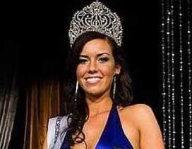 Người đẹp 9X đăng quang Hoa hậu Iceland