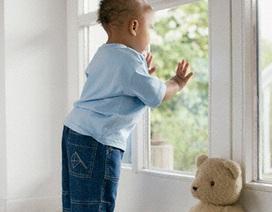 Tập cho bé ở nhà một mình
