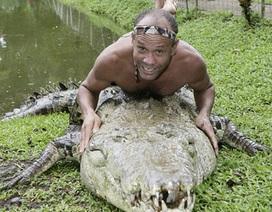 Tình bạn kỳ lạ giữa người và cá sấu