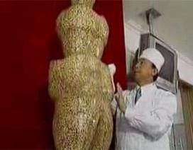 Bức tượng làm từ 28.000 chiếc răng sâu