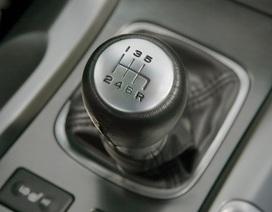 Acura TL 2010 sử dụng hộp số sàn 6 cấp