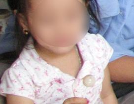 Bắt tạm giam chủ nhà trẻ dâm ô bé gái 3 tuổi