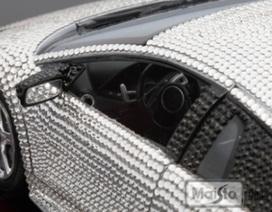 Đồ chơi nhà giàu: Lamborghini nạm pha lê