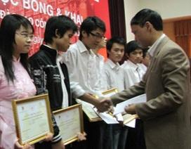 11 học sinh nhận học bổng đào tạo CNTT Prudence