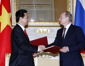 Việt Nam mua máy bay quân sự và tàu ngầm Nga