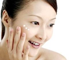 Giữ ẩm da: 5 bộ phận dễ bị lơ là
