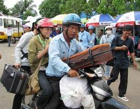 Hàng ngàn công nhân nghèo được hỗ trợ vé tàu Tết
