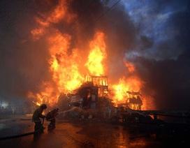 """Lửa cháy """"nuốt trọn"""" khu ổ chuột ở thủ đô Philippines"""