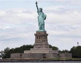 Tượng Nữ thần Tự do New York bốc khói