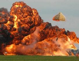 Chiến đấu cơ Canada bốc cháy ngùn ngụt