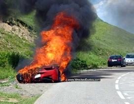 Siêu xe Ferrari 458 Italia cháy thành than