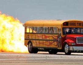 Xe buýt gắn động cơ phản lực