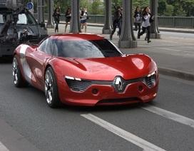 Renault DeZir lăn bánh trên đường phố Paris