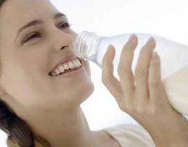 Sau khi ăn hành tỏi hãy uống sữa