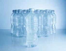 Hại thận vì uống nhiều nước khoáng