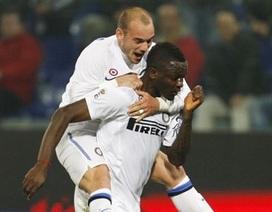 """""""Sao đen"""" Muntari giúp Inter tạm """"vượt mặt"""" Milan"""
