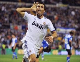 C. Ronaldo ghi 13 bàn trong tháng 10/2010