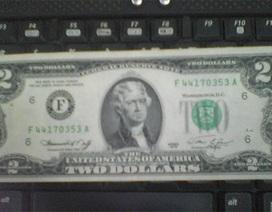 """""""Chiều"""" khách, ngân hàng đổi tờ 2 USD lì xì tết"""
