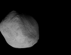 NASA tiết lộ ảnh miệng hố nhân tạo trên sao chổi
