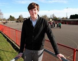 18 tuổi làm ủy viên hội đồng thành phố