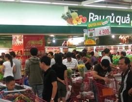 Siêu thị đông nghẹt, chợ truyền thống vắng khách