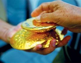 Người dân vẫn thích mua vàng làm của