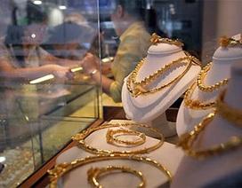 """Giá vàng lại """"vọt"""" lên 1,868 triệu đồng/chỉ"""