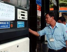 Hạ thuế nhập khẩu, khó giảm giá xăng