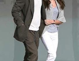 Brad Pitt ca ngợi Angelina Jolie