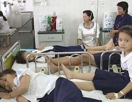 Hàng trăm học sinh nhập viện vì ngộ độc thực phẩm