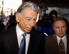 Tỷ phú Kerkorian bán 7,3 triệu cổ phiếu Ford