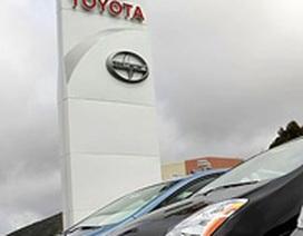 """Một Toyota trong """"bão"""""""