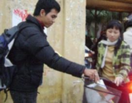 Sinh viên vào vụ… kiếm tiền