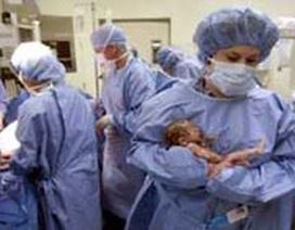 Ca mang thai hộ sinh 5 đầu tiên của thế giới