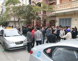 Hàng trăm lái xe taxi Dầu khí đình công