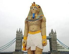 Pharaoh khổng lồ trên dòng sông Thames