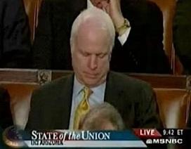 Chùm ảnh: Khi các chính trị gia ngủ gật