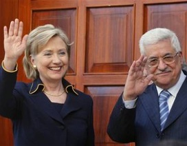 Clinton cáo buộc Iran tìm cách hăm dọa