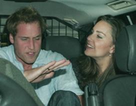 Hoàng tử William chính thức quay lại với bồ cũ