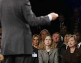 Ông Clinton sẽ làm gì nếu vợ đắc cử tổng thống?