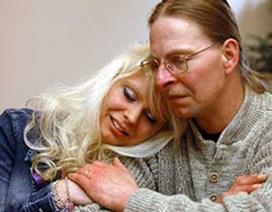 Chuyện cô gái 10 năm làm tù nhân nhà hàng xóm