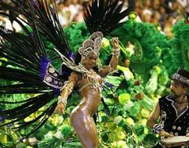 """Nghề tuyệt vời nhất Brazil: Vẽ trên người mẫu """"nuy"""""""
