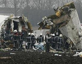Chùm ảnh máy bay gãy làm ba, 9 người thiệt mạng