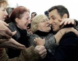 Pháp bắt kẻ tình nghi dọa giết Tổng thống Sazkozy