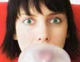 Thuế… nhai kẹo cao su
