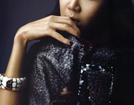 """""""Chân dài"""" Gong Hyo Jin """"phá cách"""" trên Vogue"""