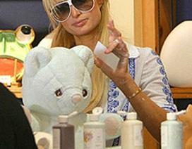Paris Hilton tìm thú vui mới